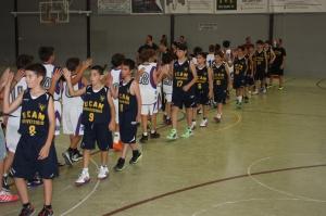 Saludo final de partido contra UCAM Murcia